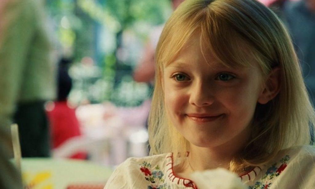映画「マイボディガード」笑顔でクリーシーを見つめるピタ