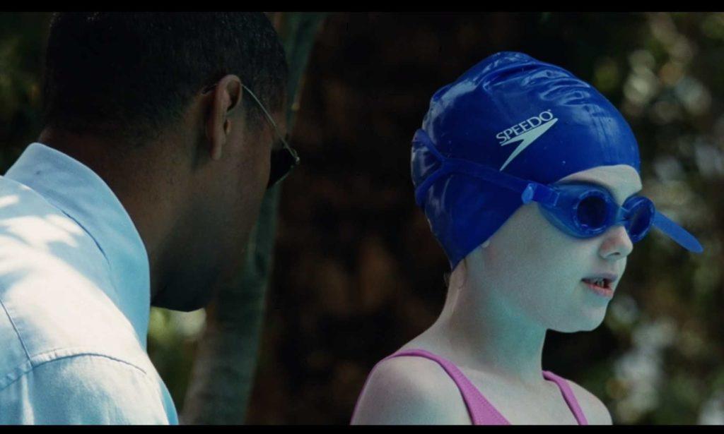 映画「マイボディガード」ピタとクリーシーの水泳の特訓