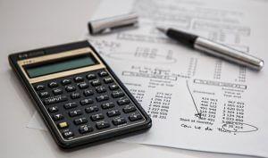 電卓で税金を計算